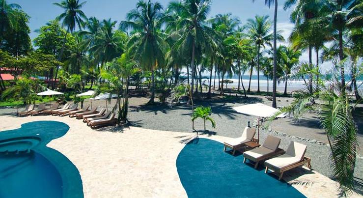 Clandestino Resort